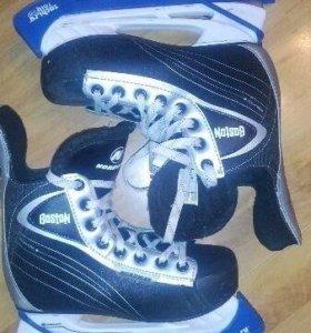 Хоккейные коньки 37 размер.