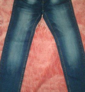 НОВЫЕ Мужские джинсы 29 размер