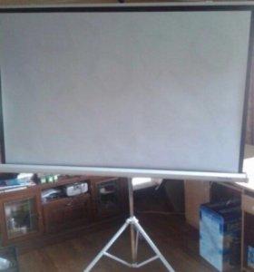Экран для проектора новый