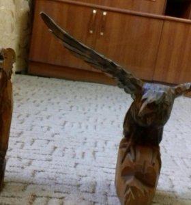 Рез из дерева орёл и медведь
