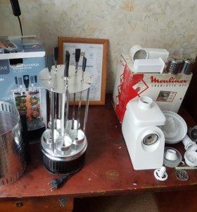 Электрошашлычница и электромясорубка-соковыжималка