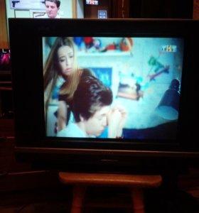 Телевизор DAEWOO.