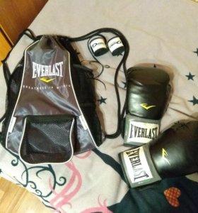 Перчатки боксерские + мешок для перчаток+ бинты
