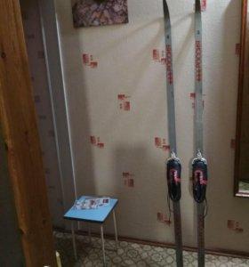 Лыжи беговые с ботинками р.39