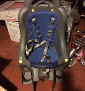 Устройство на велосипед для перевозки ребенка