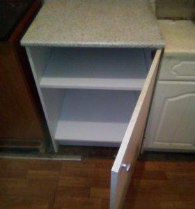 Стол со столешницей и шкаф кухонный Икея
