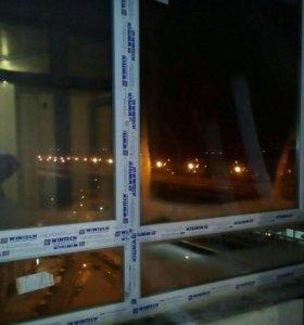 Окно балконное металопластиковое, трехсекционное,