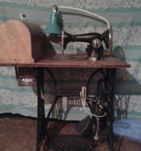 Швейная машинка Singer.