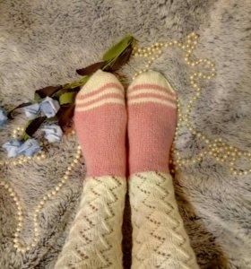 Ажурные носки ручной работы.