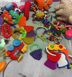 Детские игрушки,погремушки