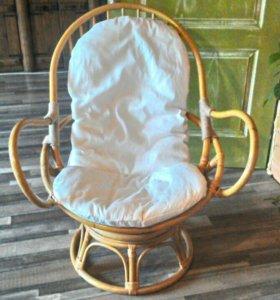 Кресло из бамбука.