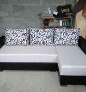 """Классический диван """"Лодочка"""" для гостиной"""