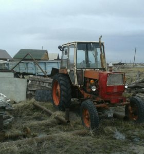 трактор ЮМЗ и телега