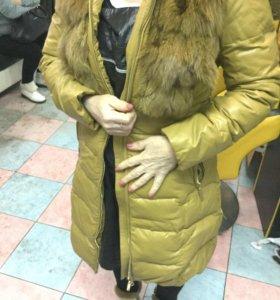Куртка размер 44 с натуральным воротником переходя