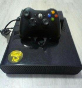 Xbox360E 4Gb+4игры+аккаунт