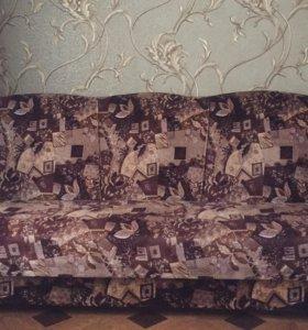 Диван ,2 кресла ,2 пуфика