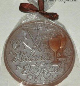"""Шоколадная фигура """"С Новым годом"""""""