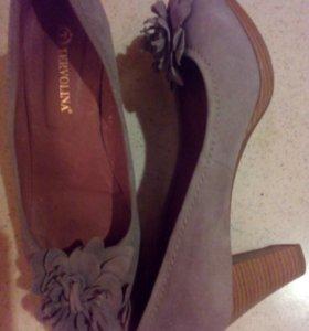 Новые туфли замша 40