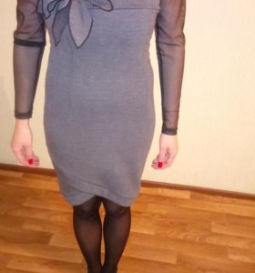 Платья