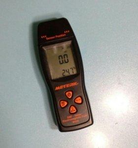 Дозиметр для измерения электромагнитного поля.