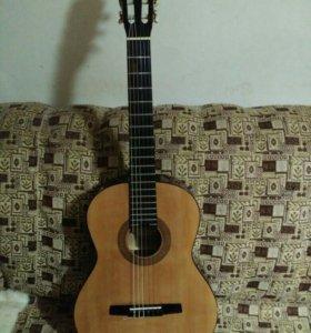 Продам гитару HOHNER (Германия) Классика.