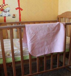 Кроватка+2 матраса(клеёнка на матрас)