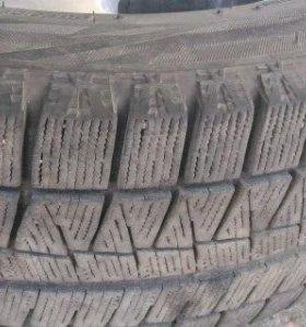 Отличная липучка Bridgestone Blizzak Revo GZ