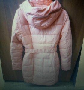 Яркое зимнее пальто