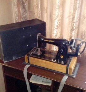 Швейная машинка(ручная) СССР.