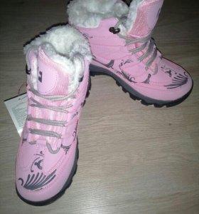 Зимние женские ботинки 37 размер, новые.