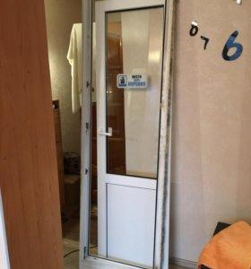 Дверь пластиковая б/у