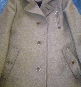 Пальто зимне новое