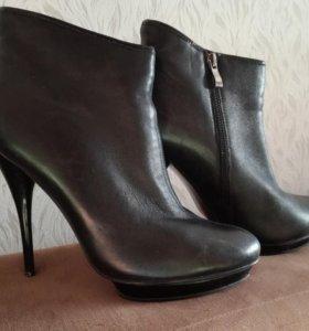 Ботинки, полусапожки 40 размер