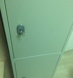 Шкаф металический двухдверный