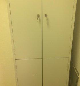 Шкаф металический четырехдверный...