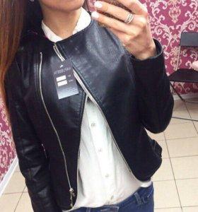 Куртка размер М новая