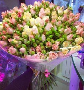 Букет из 29 кустовых роз с доставкой