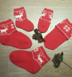 Носочки взрослые и детские новогодние