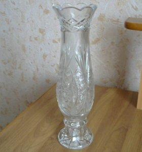 Хрустальная ваза.