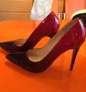 Красивые лаковые 👠 туфли 38р