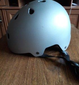 Шлем для котания на роликах.