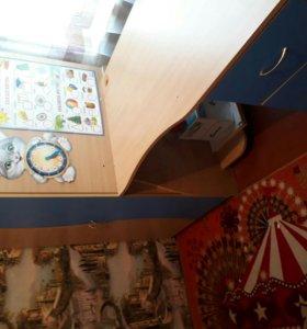 Уголок школьника: шкаф, стол, кровать