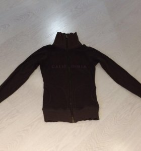 Рубашка, толстовка на молнии, джинсы XS