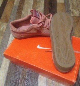 Кроссовки Nike Bruin SB