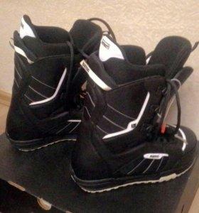 Ботинки для сноуборда на р. 44