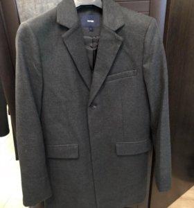 Пальто мужское приталенное
