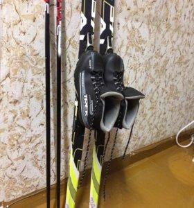 Комплект (ботинки и лыжи)