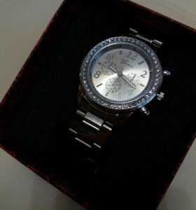 Фирменные часы в подарочной упаковке. Новые!