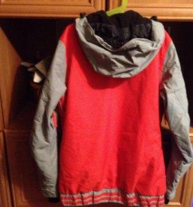 Куртка подростковая для сноуборда и горных лыж