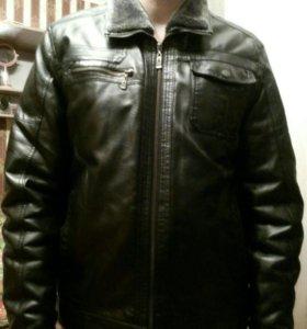 Продам мужскую куртку кожзам размер 48-50